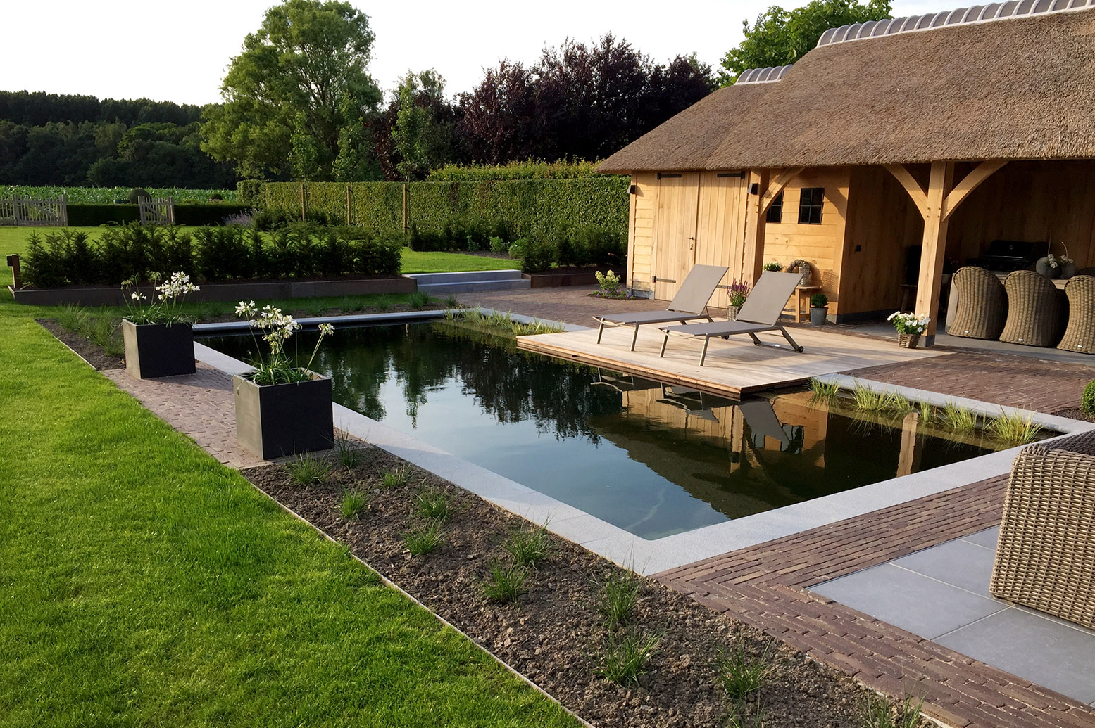 House Of Pool Piscine Et Pool House Avec Barbecue Quot Nulle Part Saddle Cycle Club Pool Of